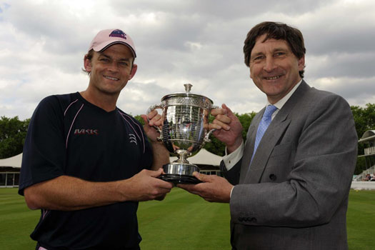 Adam Gilchrist receives the Walter Lawrence Trophy from John Barclay