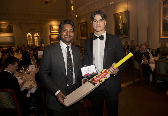 Sporty Dani: the 2019 Walter Lawrence Schools Award winner, Dani Long-Martinez, receives a special medallion and a Gray-Nicolls cricket bat from MCC President Kumar Sangakkara, whose brief appearance at the dinner from another function was an unexpected highlight.